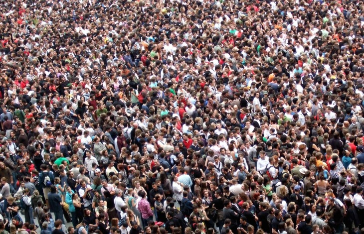 crowds-2768571_1280